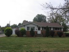 28129 Terrace Dr, North Olmsted, OH 44070
