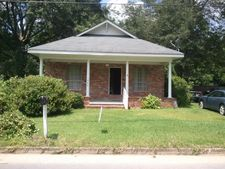 209 N Jackson Ave, Quitman, MS 39355