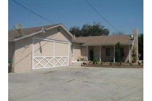 11143 Cantara St, Sun Valley, CA 91352