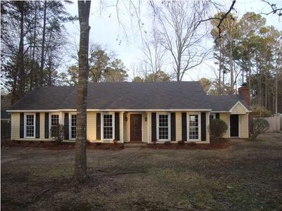 102 Garden View Dr, Brandon, MS 39047