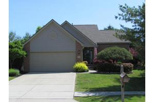 6474 Fox Hill Dr, Canal Winchester, OH 43110