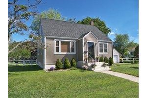 108 Arthur St, Bridgeport, CT 06605