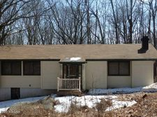 119 Roosevelt Dr, Lords Valley, PA 18428
