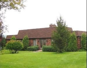 1125 Woodlawn Rd, Lee, IL 60530
