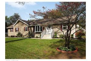 28 Pool Rd, North Haven, CT 06473