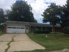 9191 E Snow White Rd, Cromwell, IN 46732