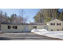 2 Dole Pl, West Newbury, MA 01985