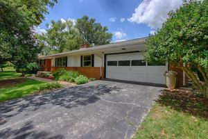 8201 Corteland Dr, Knoxville, TN 37909