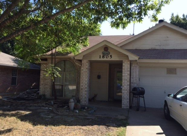 1805 riata dr waco tx 76712 home for sale and real for Home builders in waco texas area