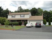 12 Clarence Dr, Oxford, MA 01540