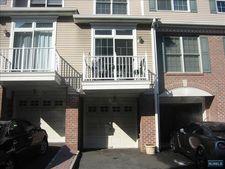 343 Oswego Ct, West New York, NJ 07093