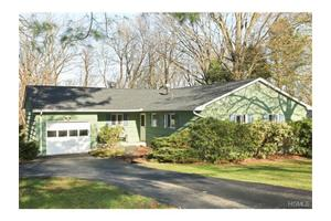 2688 Windmill Dr, Yorktown Heights, NY 10598