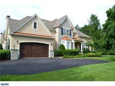 1374 Harpers Ln, Huntingdon Valley, PA 19006