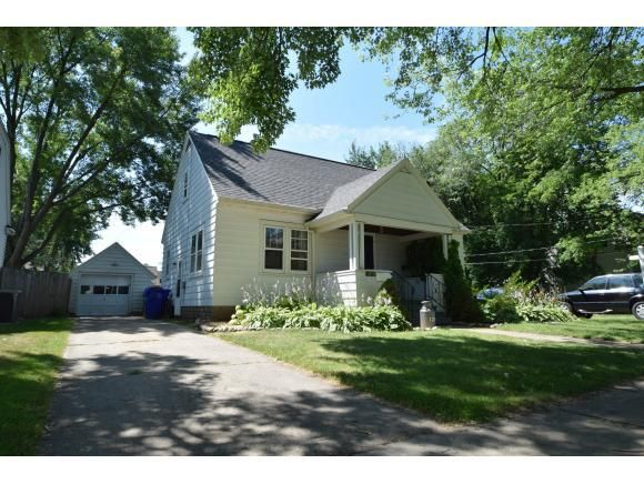 1211 W Summer St Appleton Wi 54914 Home For Sale And