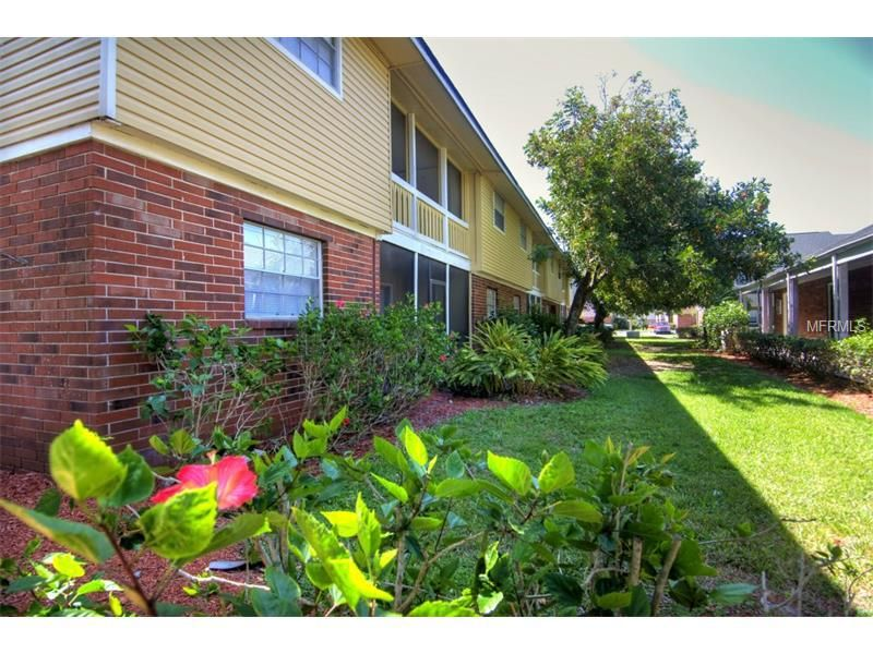 200 Country Club Dr Apt 103, Largo, FL 33771