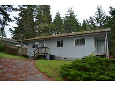 765 Fenwick Ave, Coos Bay, OR 97420