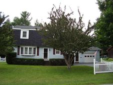 11 Stewart St, Rouses Point, NY 12979
