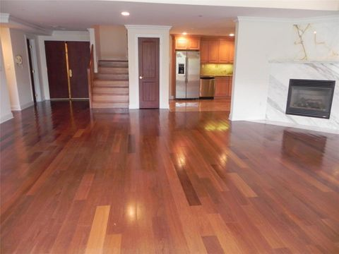 171 Great Neck Rd Apt 4 N, Great Neck, NY 11021