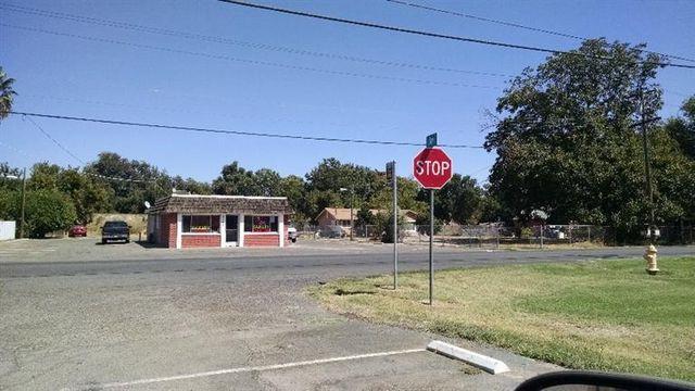 5745 Arboga Rd, Olivehurst, CA