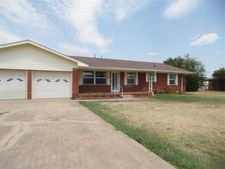421 W Mississippi St, Temple, OK 73568