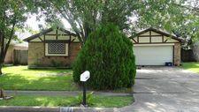 3631 Brier Gardens Dr, Houston, TX 77082
