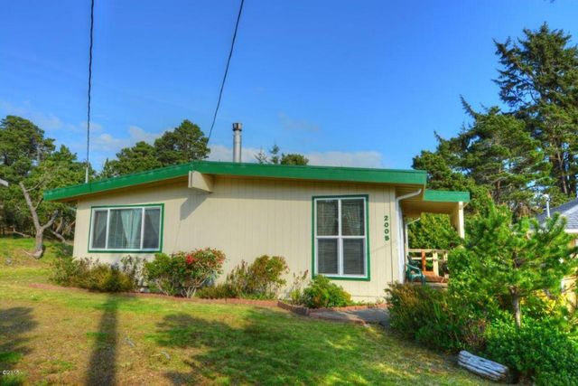 2005 nw bayshore dr waldport or 97394 home for sale