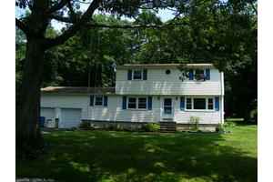 14 Willow Ln, Clinton, CT 06413