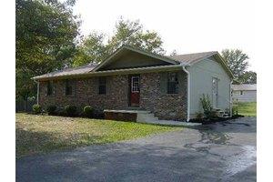 380 Kitchen Dr, Henderson, TN 38340
