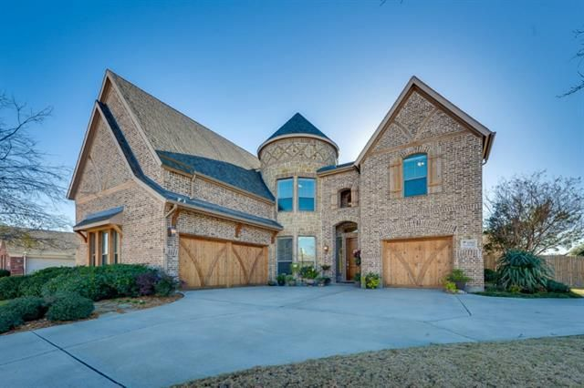 2561 Clearlake Dr, Grand Prairie, TX 75054  Home For Sale and Real Estate Listing  realtor.com®
