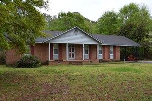 203 Crestwood Dr, Goldsboro, NC 27530