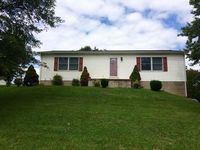 201 Cambrian Ave, Jackson, OH 45640