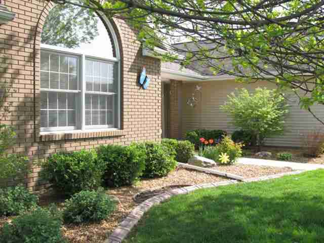 Wonderful 1920 Berkshire Gardens Cc Ln, Normal, IL 61761