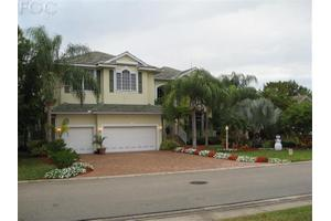 5541 Harborage Dr, Fort Myers, FL 33908
