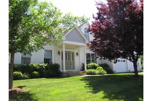 1 Charles Ct, Suffield, CT 06078
