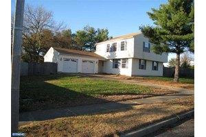 1722 Lee Ct, Turnersville, NJ 08012