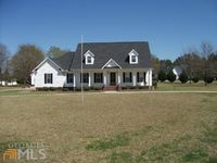 1142 Mulberry Pl, Dudley, GA 31022