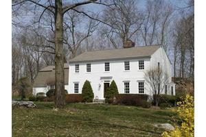 14 Tulip Tree Ln, Darien, CT 06820