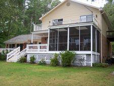 664 Country Club Dr, Gasburg, VA 23857