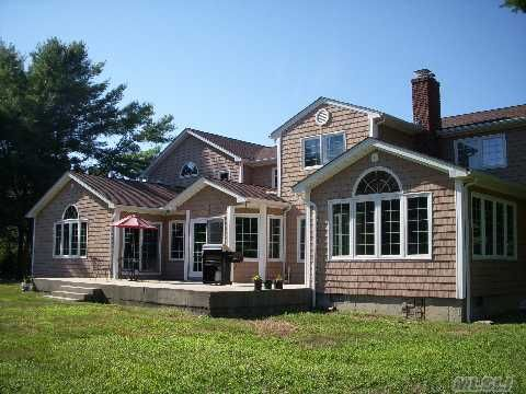 Suffolk County Sales Tax >> 412 Wolf Hill Rd, Dix Hills, NY 11746 - realtor.com®