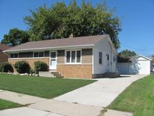 706 Lakeview Ave, South Milwaukee, WI 53172