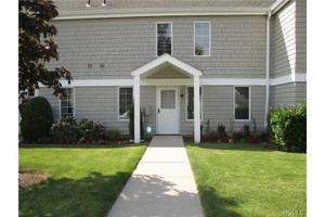 5 Kings Pk Dr, Rye Brook, NY 10573