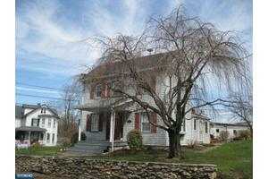 4492 Newark Rd, Cochranville, PA 19330