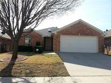 8713 Lariat Cir, Fort Worth, TX 76244