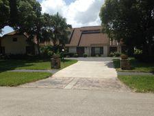 105 Mallard Ln, Daytona Beach, FL 32119