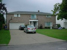 141 Morningstar Ct, Amherst, NY 14221