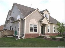 38234 Saratoga Cir, Farmington Hills, MI 48331