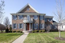 2298 Thistle Rd, Glenview, IL 60026
