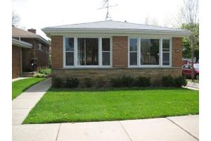 2755 W Fitch Ave, Chicago, IL 60645