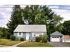 17 Peck St, Milford, CT 06460