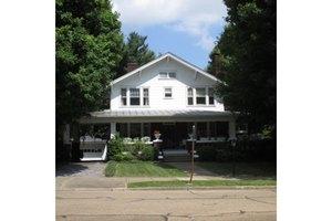 834 W Locust St, Johnson City, TN 37604